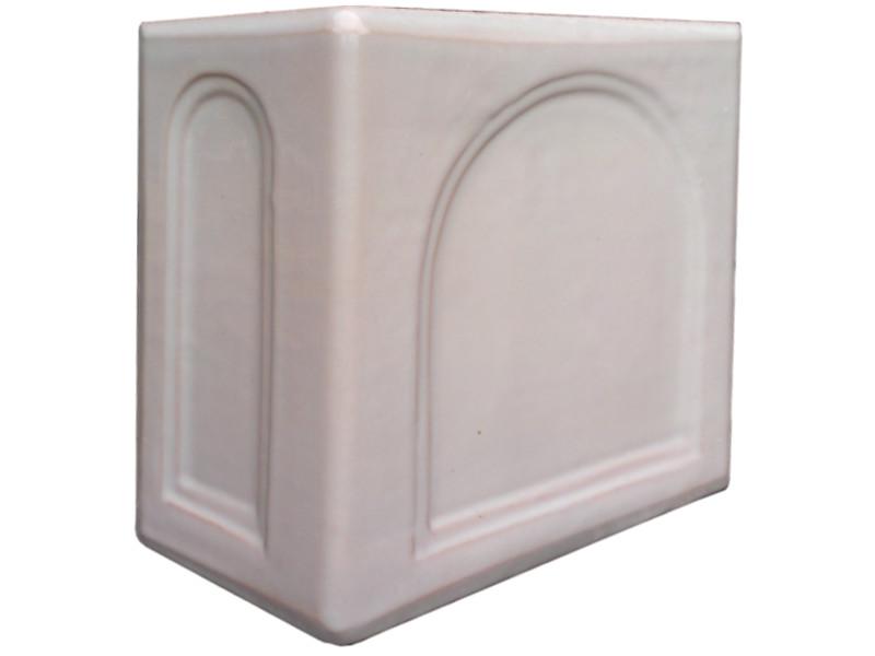 Kafle biale rogowe kapliczka