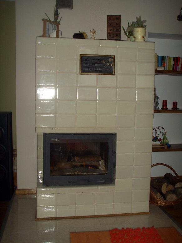 Pieco-kominek z kafli kwadrateli ekri 1